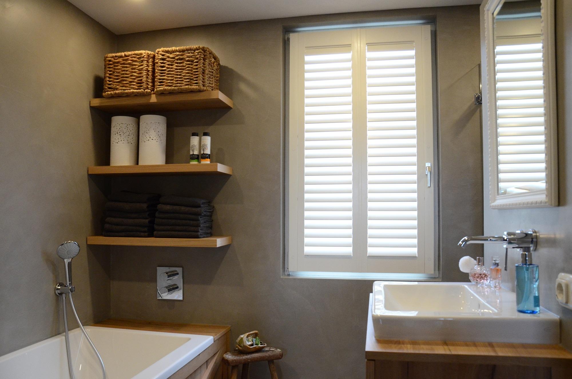 Badkamer Beton Interieur : Voorbeelden betonlook stoer vloer