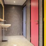 Toiletten jongerendiscotheek Beton Ciré